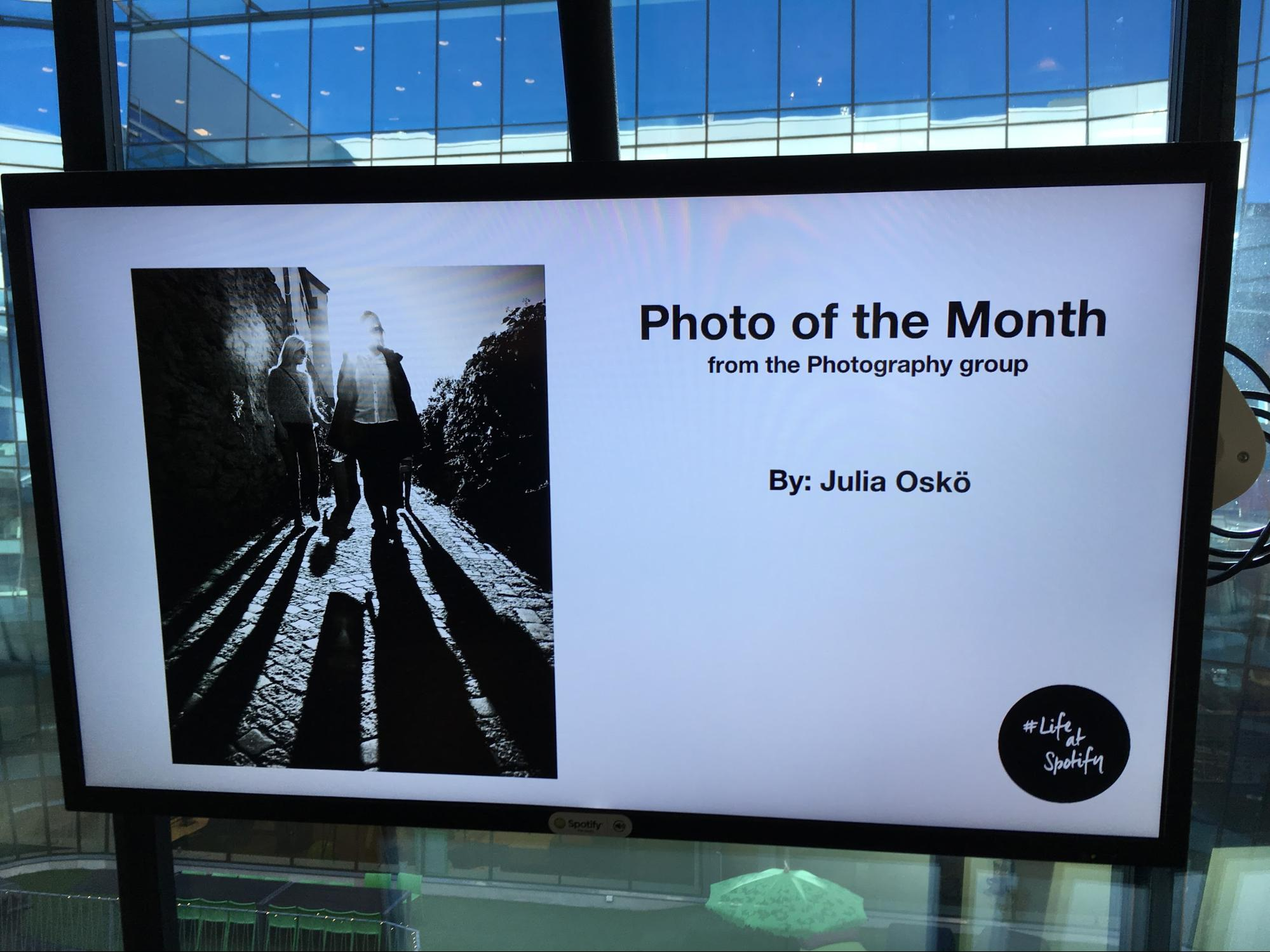 Corporate Digital Signage | Office Communication | Photo of the Month