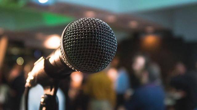 Startup Founder Blog | Becoming a Confident Presenter